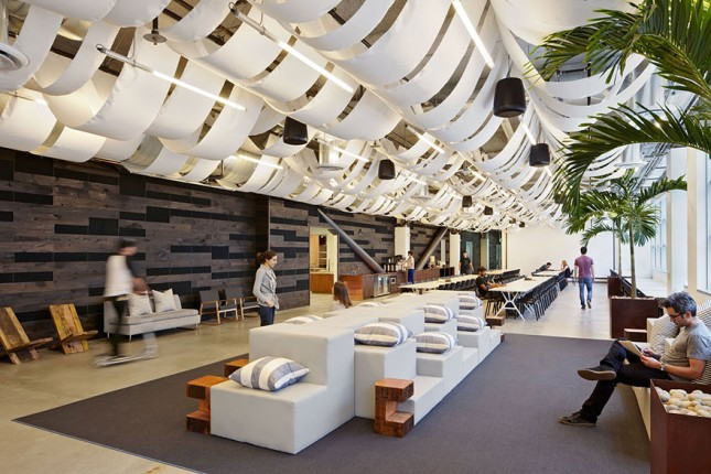 amazing-creative-workspaces-office-spaces-2-1-645x430